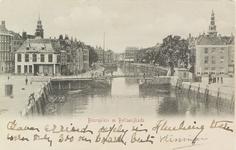 4012 Gezicht op het Beursplein met de beurs, de Voorhaven, de Beursbrug, de Koopmanshaven met de Bellamykade en de ...