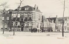 4154 Gezicht op een deel van de Glacisstraat op de kruising met de Scheldestraat te Vlissingen