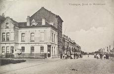 4194 Gezicht op de Joost de Moorstraat met op de voorgrond Cafe Scheldezicht te Vlissingen