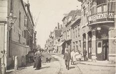 4273 Gezicht op de Walstraat te Vlissingen met rechts het café-restaurant van J. Hoornaert