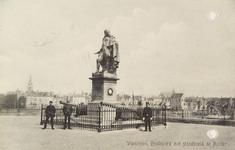 4990 Het standbeeld van Michiel Adriaanszoon de Ruyter op het Keizersbolwerk te Vlissingen