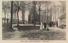 5099 Gezicht op de Nederlandse Hervormde kerk aan het Dorpsplein in Borssele