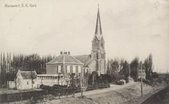 5478 Gezicht op de rooms-katholieke kerk 'Maria Onbevlekte Ontvangenis' in Hansweert, met bijbehorende pastorie