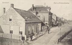 5480 Gezicht op de Schoolstraat in Hansweert met het post- en telegraafkantoor