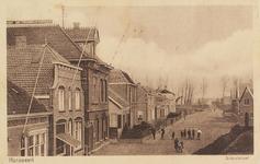5486 Gezicht op de Schoolstraat in Hansweert, met het post- en telegraafkantoor