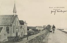 6190 Gezicht op de Noorddijk te Bruinisse, met de Gereformeerde kerk en bijbehorende pastorie