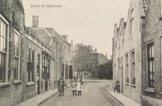 6491 Gezicht op de Kerkstraat in Oosterland, in de richting van het Dorpshuis aan het Marktplein