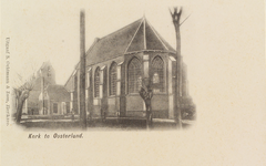 6501 Gezicht op de Nederlandse Hervormde kerk en het gemeentehuis (voormalig schoolgebouw) in Oosterland, vanuit het ...