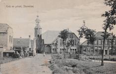 7374 Gezicht op de Nederlandse Hervormde kerk en de openbare lagere school in Stavenisse, met links een wagenmakerij en ...