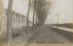 776 Gezicht op de Nieuwe Vlissingse weg te Koudekerke, met rechts de trambaan