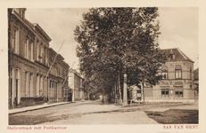 7764 Gezicht op de Stationstraat en het postkantoor te Sas van Gent