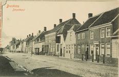 8176 Gezicht op de Dorpstraat met travalje te Breskens