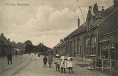 8433 Gezicht op een straat te Oostburg met het postkantoor