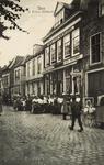 8556 Gezicht op het hotel-café-restaurant 't Hof van Brussel aan de Kaai te Sluis