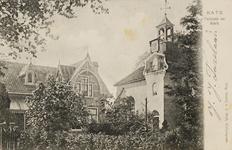 9837 Gezicht op de pastorie en de Nederlandse Hervormde kerk te Kats