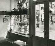 2555-2 Pand van de Zeeuwse Apotheek, Grote Markt 10 te Goes, aangepast naar ontwerp van architect J.D. Poley, in ...