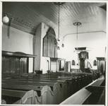 826-10 Interieur van de Nederlandse Hervormde kerk te 's-Gravenpolder, vóór de restauratie onder leiding van ...