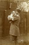 A-7314 Zierikzee. Havenpark. Edzard Jacob Gelderman. Geb.'s Gravenhage, 05-02-1881. Ovl. Noordgouwe, 01-07-1940. Met hond