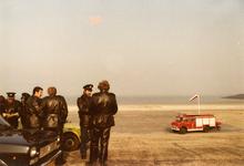 AR-0037-039 Neeltje Jans. Brandweer paraat tijdens het koninklijk bezoek van Prinses Beatrix en Prins Claus en hun ...