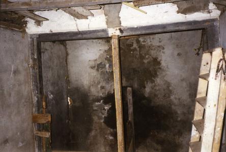 B-0079 Bruinisse. Oudestraat. Het interieur van het voormalig arrestantenlokaal (in de volksmond ook wel genaamd het ...