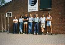 BRU-2566 Bruinisse. Gemeentewerkplaats. Personeel gemeente Bruinisse. V.l.n.r.: Daan van Strien, Kees Berrevoets (uit ...