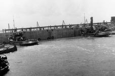 D-0274C Nieuwerkerk / Stevensluis. Sluiting van het dijkgat.