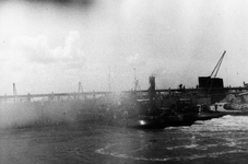 D-0275B Nieuwerkerk / Stevensluis. Sluiting van het dijkgat.