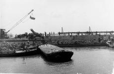 D-0276C Nieuwerkerk / Stevensluis. Sluiting van het dijkgat.