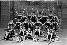 JVH-1062 Zierikzee. Sporthal Onderdak . Majorettegroep Stellendam. Personen onbekend.