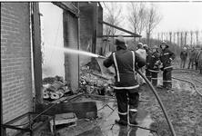 JVH-1320 Nieuwerkerk. Platte Capelledijk. Een fruit-opslagschuur gaat verloren door een uitslaande brand. De ...