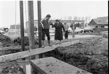 JVH-1662 Burgh-Haamstede. De Roterij. Op bedrijventerrein De Roterij staat een hei installatie waarmee burgemeester ...