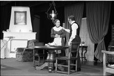 JVH-1723 Renesse. Zeeanemoonweg. Dorpshuis. Toneelvereniging Op Drift brengt de Victoriaanse thriller ´Gaslicht´ van ...