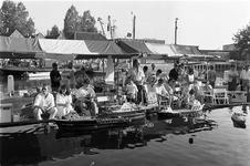 JVH-5007 Zierikzee. Oude Haven. Tijdens de derde havendag, kon men genieten van verschillende demonstraties w.o. ...