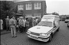 JVH-5048 Bruinisse. Poststraat. Opening van het nieuwe onderkomen in het voormalige gemeentehuis van de Rode ...