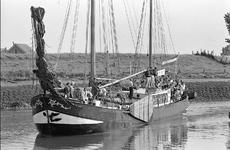 JVH-5296 Zierikzee. Nieuwe Haven. Een fraai zeiljacht in de haven van Zierikzee tijdens het 19e zeilevenement Deltaweek.