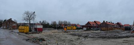 JVH-8055 Bruinisse. Pr. Wilhelminalaan. Afbraak en herbouw van huizen in het z.g.n. Oranjedok, (de straten zijn ...