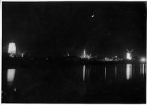 RK-0433 Zierikzee. Verlichte monumenten. Links: Sint Lievens Monstertoren, midden: Stadhuistoren, en links: molen De Hoop.