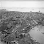 RK-0928 Zierikzee. Onderaan Kerkhof zz, van linksonder de Wevershoek en op de achtergrond rechts de molen aan 't ...