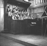 RK-1271 Renesss. Korte Reke. Jacobuskerk. Optreden van het Amsterdams jongenskoor 'De Minnestreelen'', in het kader van ...