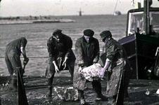 RK-1710 Ouwerkerk. Watersnoodramp 1953. Dijkherstel.