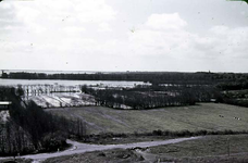 RK-1720 Noordwelle. Watersnoodramp 1953. Gezicht in de polder vanaf het duin t.h.v. restaurant 't Klokje aan de ...