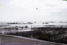 RK-1724 Noordwelle. Watersnoodramp 1953. Gezicht in de polder vanaf het duin t.h.v. restaurant 't Klokje aan de ...