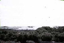 RK-1726 Noordwelle. Watersnoodramp 1953. Gezicht in de polder vanaf het duin t.h.v. restaurant 't Klokje aan de ...