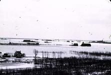 RK-1730 Noordwelle. Watersnoodramp 1953. Gezicht in de polder vanaf het duin t.h.v. restaurant 't Klokje aan de ...