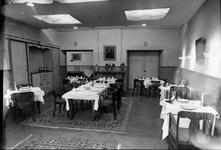 RK-1859 Zierikzee. Oude Haven. Eetzaal van hotel Mondragon.