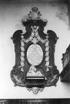 RK-1974 Oosterland. Ned. Herv. kerk. Grafmonument van S.M. Loncque.