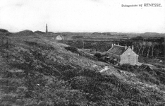 WA-1079 Renesse. De duinen aan het eind van de Laone. De woning op de voorgrond is tegenwoordig Rampweg 3/5. Verderop ...