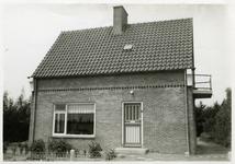 WSS-0396 Westenschouwen. Steenweg. De woning van J.B. de Hullu en T. de Hullu-Schaalje