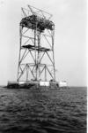 X-0252W Bruinisse. Deltawerken. Een piloon van de kabelbaan in de Grevelingen