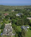 X-4958 Nieuw-Haamstede. Vuurtorenweg. Uitzicht vanaf de vuurtoren op huis de Bergeend en de duinovergang Vuurtorenpad